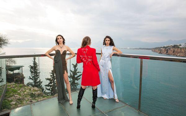 Фотосессия коллекции дизайнера Шервин Наджафпур «Происхождение нашего национального наследия», посвящённая Гобустану - Sputnik Азербайджан