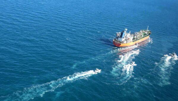 Корабль в Персидском заливе, фото из архива - Sputnik Азербайджан