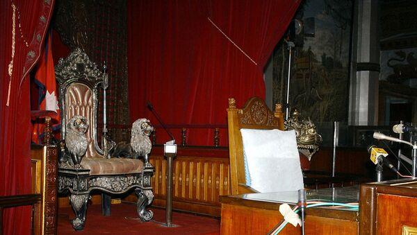 Пустой трон, фото из архива - Sputnik Азербайджан
