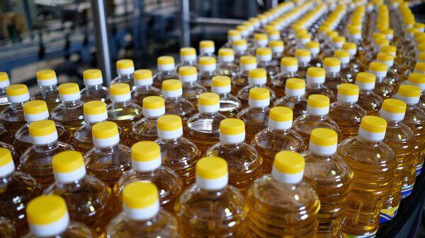 Производство растительного масла, фото из архива - Sputnik Азербайджан