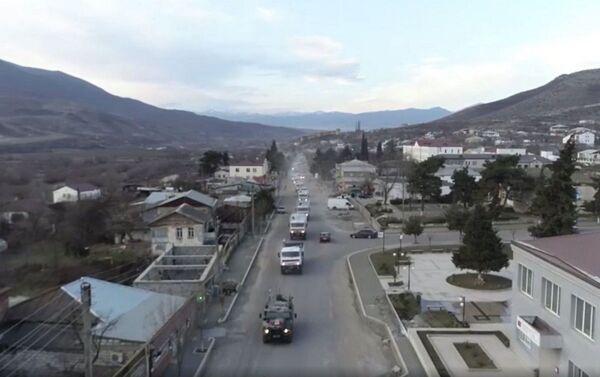 Российские миротворцы обеспечивают транзит грузов в Карабахе - Sputnik Азербайджан