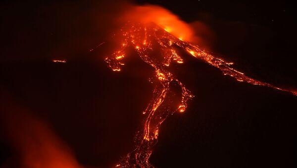 Etna vulkanının püskürməsi - Sputnik Azərbaycan