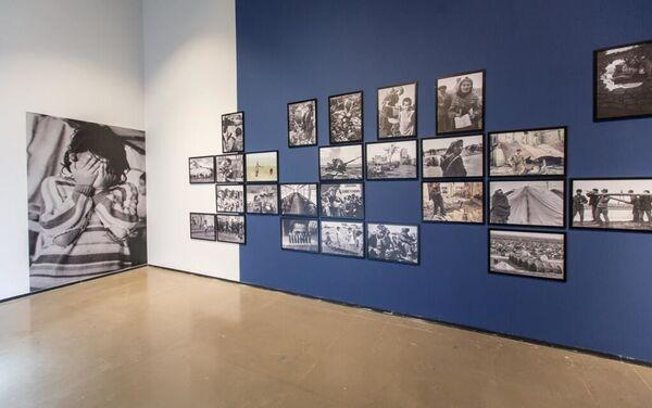Выставка Туманы превратились в эпопею в голове моей в Центре современного искусства YARAT  - Sputnik Азербайджан