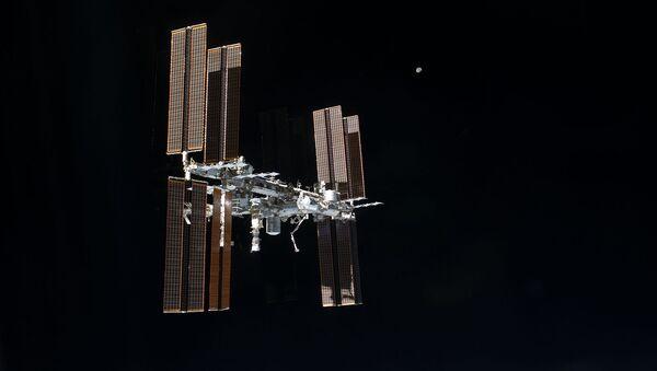 Международную космическую станцию оборудуют новым суперкомпьютером - Sputnik Азербайджан