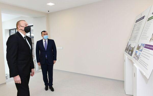 Президент Азербайджана Ильхам Алиев принял участие в открытии после капитального ремонта Шаганского реабилитационного пансионата в Хазарском районе Баку - Sputnik Азербайджан