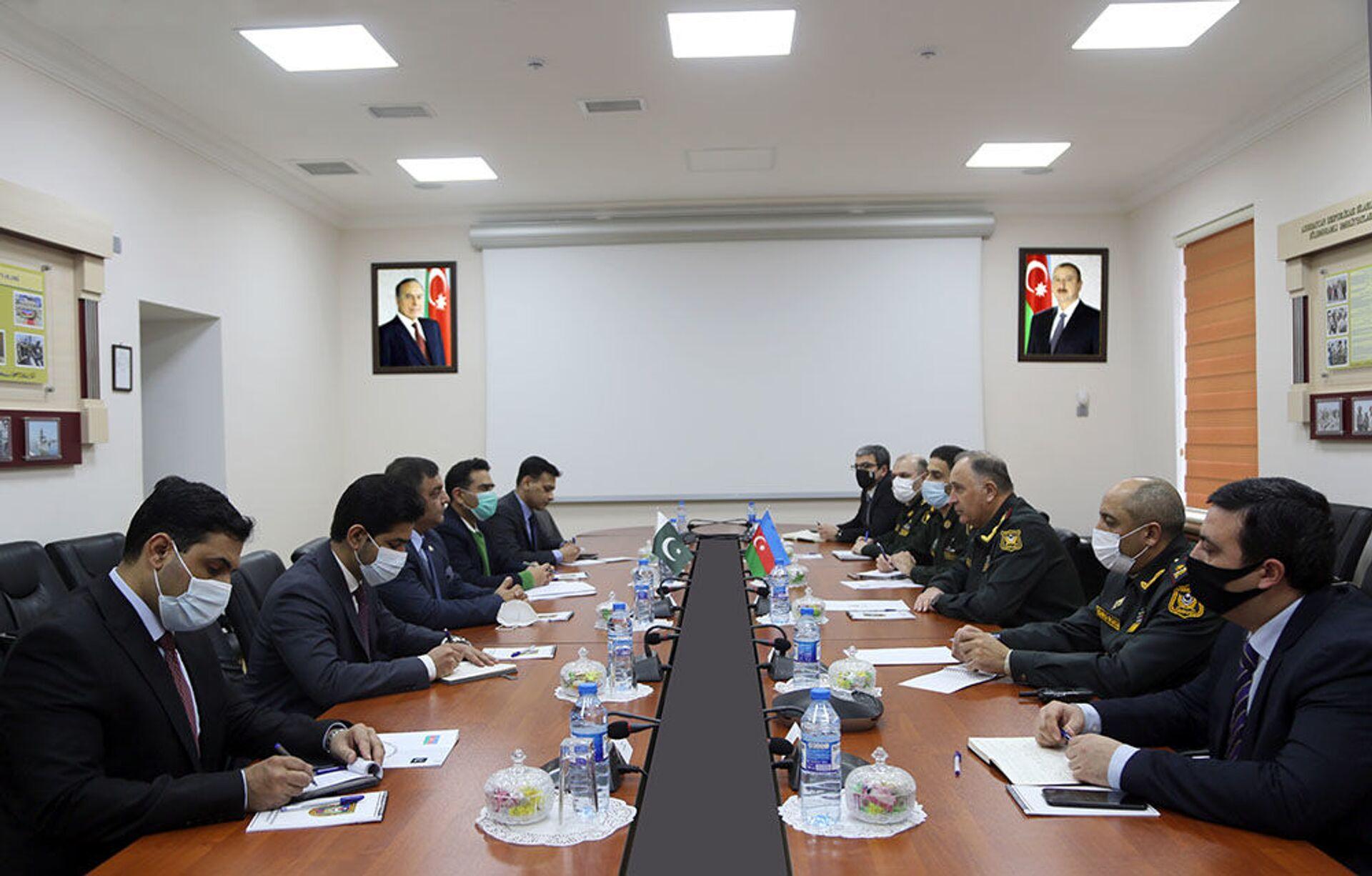 Пакистанские специалисты могут принять участие в работах на освобожденных землях АР - Sputnik Азербайджан, 1920, 25.02.2021