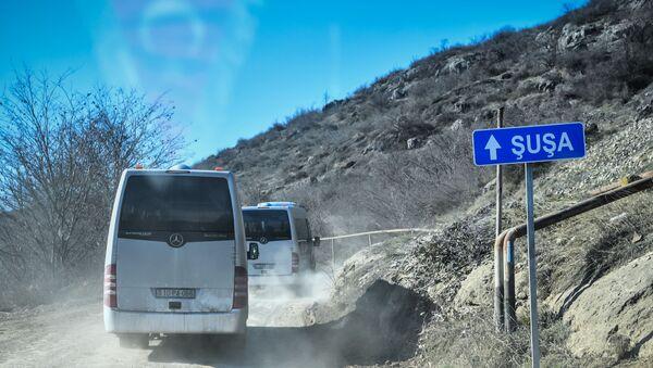 Xocavənd rayonunda Şuşa istiqamətində avtomobil hərəkatı, arxiv şəkli  - Sputnik Азербайджан