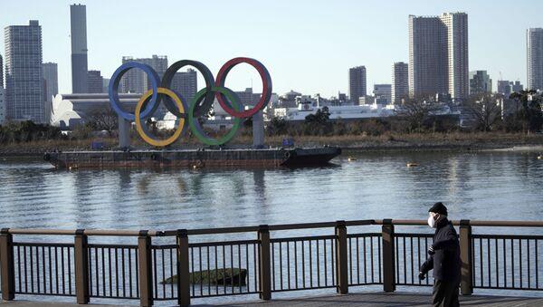 Олимпийские кольца в Токио, фото из архива - Sputnik Азербайджан