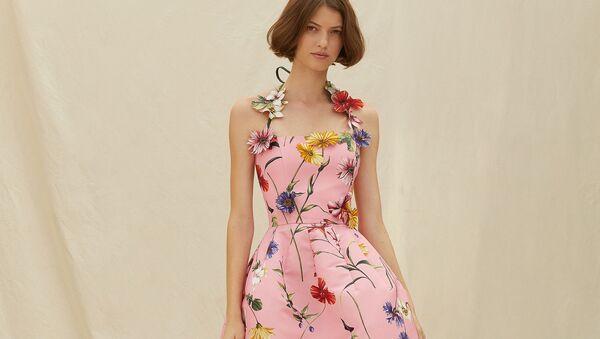 Самые модные платья этой весны в цветах! - Sputnik Азербайджан