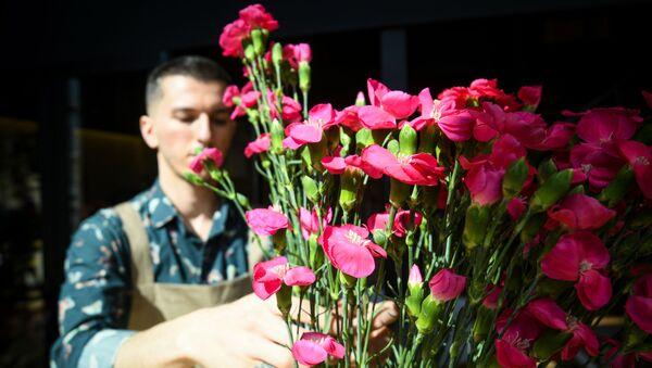 Флорист Яшар Гасымлы - Sputnik Азербайджан