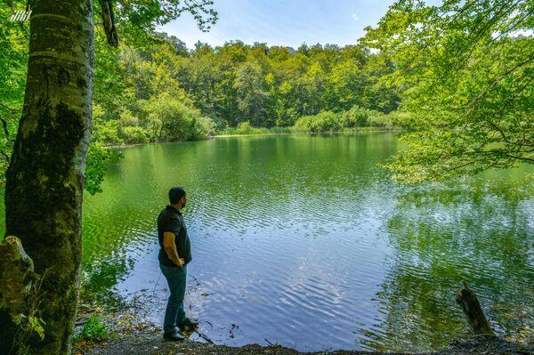 Озеро Анбиль в горах Шабранского района - Sputnik Азербайджан
