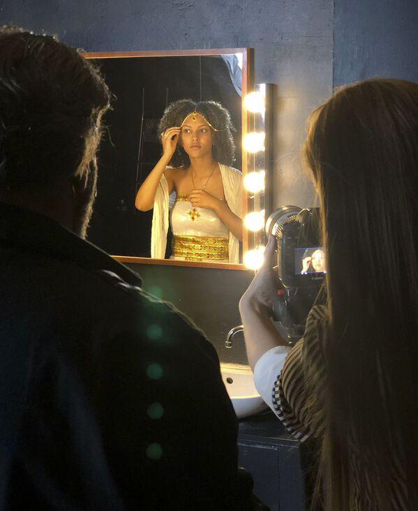 За кулисами съемки проекта The Ethnic Origins of Beauty (девушка-ТИГРИНЬЯ) - Sputnik Азербайджан