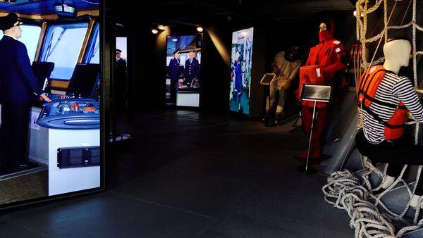 Музей на воде: почувствуй себя капитаном танкера Сураханы  - Sputnik Азербайджан