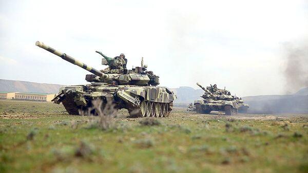 Привлеченные к учениям войска выдвигаются в районы оперативного предназначения - Sputnik Азербайджан