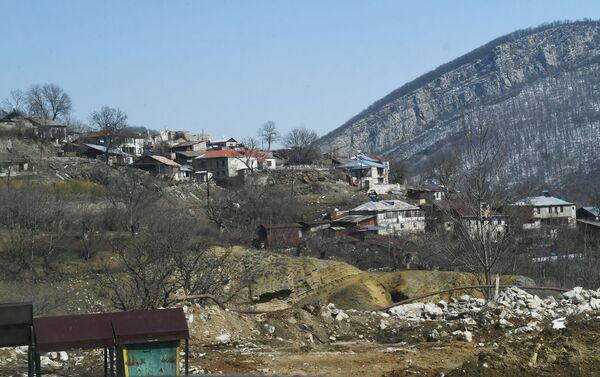 Şuşa şəhərinin ətrafında evlər - Sputnik Azərbaycan