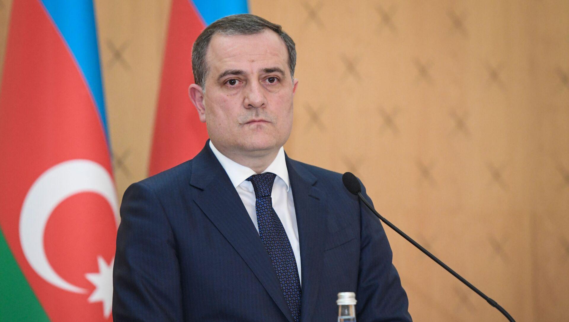 Министр иностранных дел Азербайджана Джейхун Байрамов - Sputnik Азербайджан, 1920, 24.09.2021