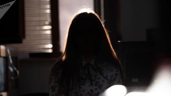 Тень женщины - Sputnik Азербайджан