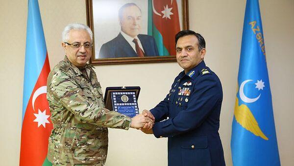 Делегация ВВС Пакистана находится с визитом в Азербайджане - Sputnik Азербайджан
