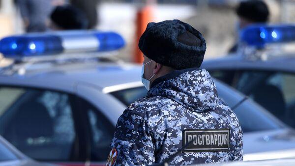 Росгвардеец, фото из архива - Sputnik Azərbaycan