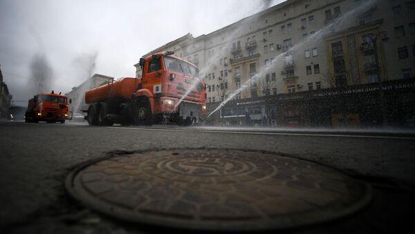 Крышка канализационного люка, фото из архива - Sputnik Азербайджан