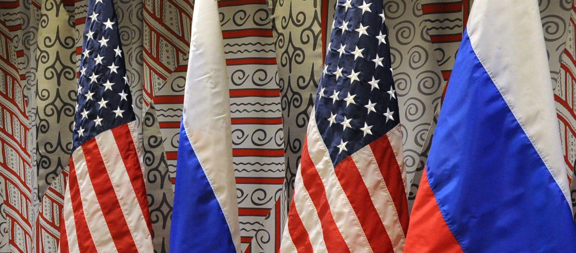 Флаги России и США - Sputnik Азербайджан, 1920, 01.04.2021