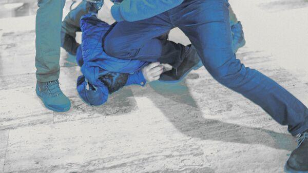 Массовая драка, фото из архива - Sputnik Azərbaycan