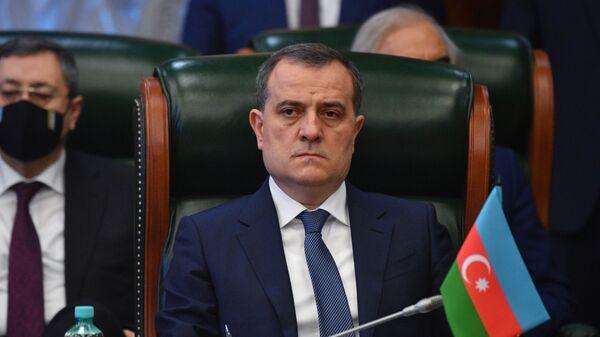 Министр иностранных дел Азербайджана Джейхун Байрамов принимает участие в заседании Совета министров иностранных дел стран Содружества Независимых Государств в широком составе - Sputnik Azərbaycan