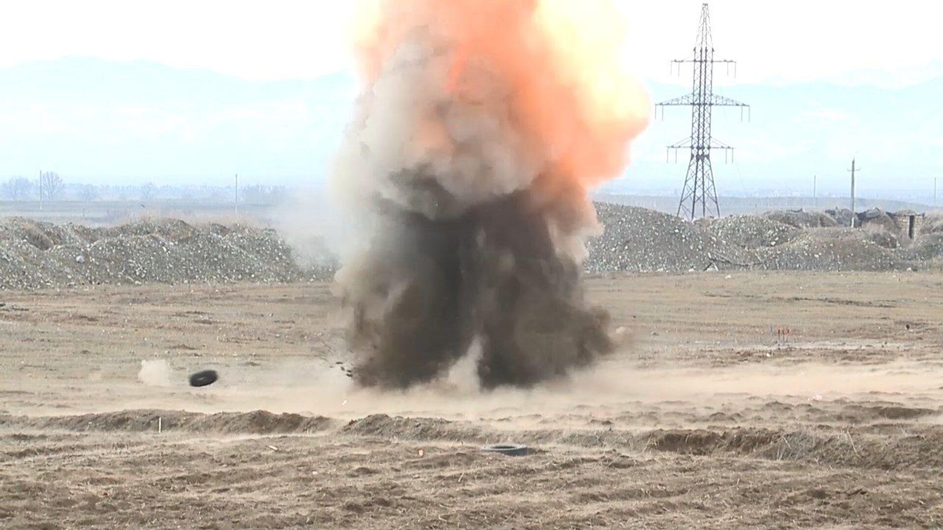 Азербайджан продолжает очищать свои земли от мин, заложенных в годы войны и перемирия - Sputnik Азербайджан, 1920, 05.04.2021