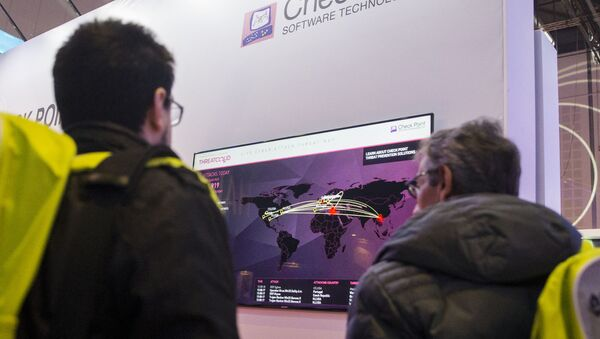 Посетители на Международной конференции Cybertech, фото из архива - Sputnik Азербайджан