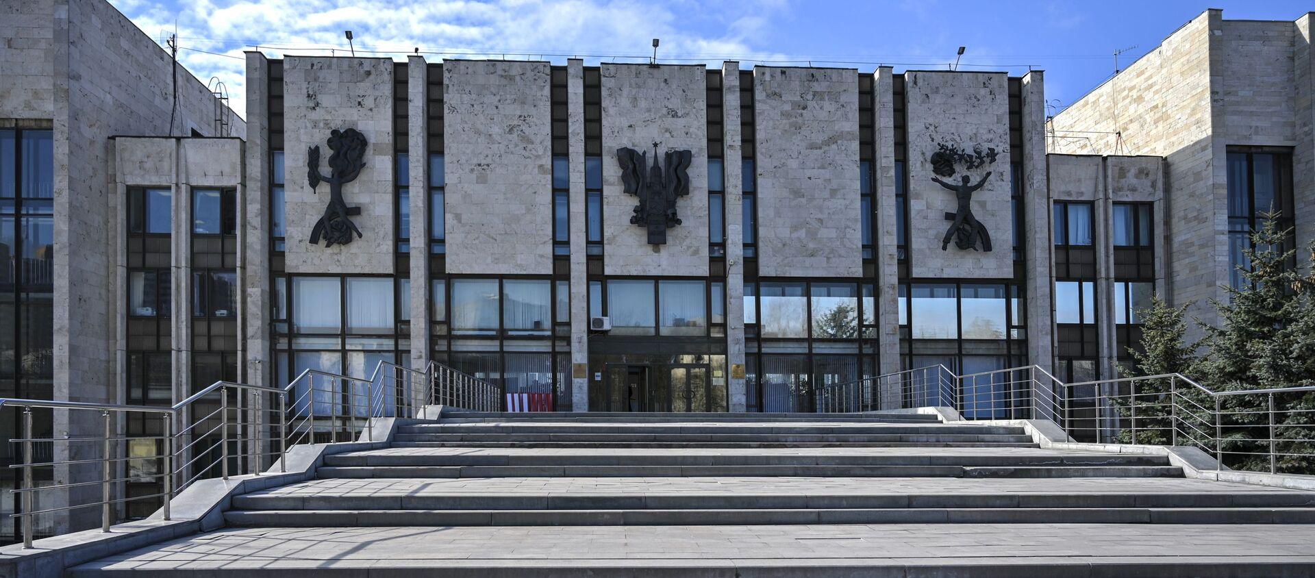 С 17 марта вузы переводят студентов на дистанционное обучение из-за коронавируса - Sputnik Азербайджан, 1920, 05.04.2021