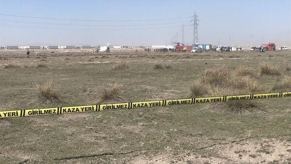 На месте крушения военного самолета в Турции - Sputnik Азербайджан