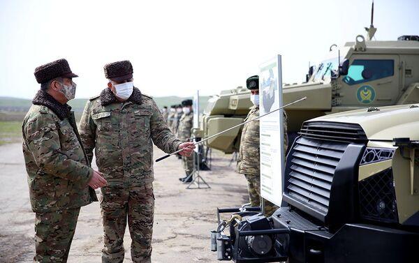 Закир Гасанов посетил развернутые на местности полевые пункты управления - Sputnik Азербайджан
