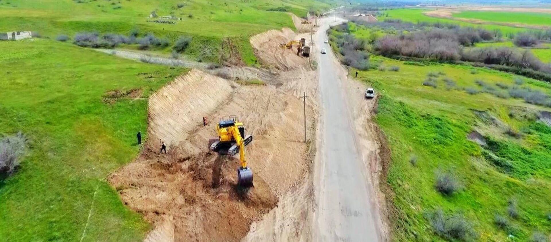 Строительство автодороги Худаферин-Губадлы-Лачин - Sputnik Азербайджан, 1920, 09.04.2021