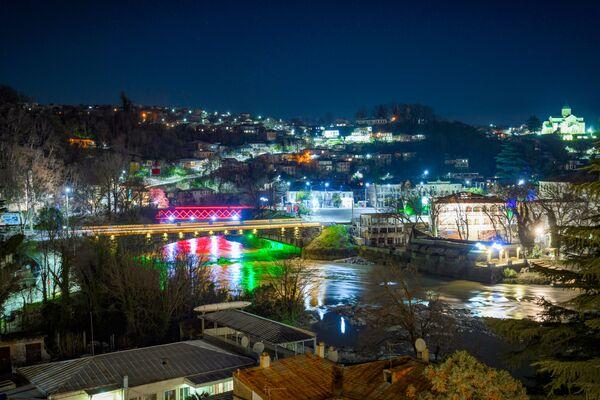Вид на ночной Кутаиси - Sputnik Азербайджан