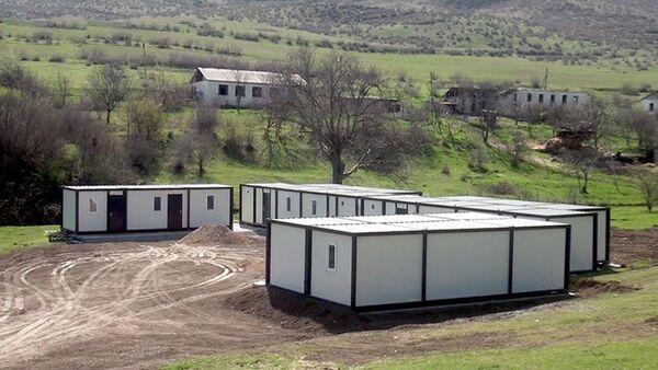 Azad olunmuş ərazilərdə modul tipli yataqxanaların quraşdırılması prosesi həyata keçirilir  - Sputnik Азербайджан