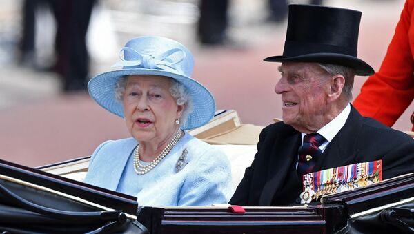 Королева Великобритании Елизавета II принц Филипп, фото из архива - Sputnik Азербайджан