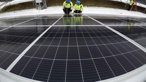 Солнечная электростанция, фото из архива - Sputnik Азербайджан