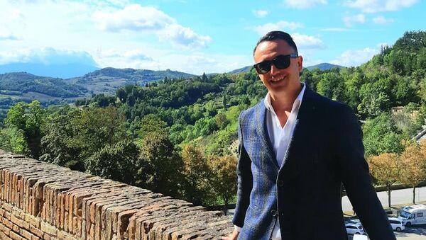Всемирно известный итальянский певец Лука Латтанцио  - Sputnik Азербайджан