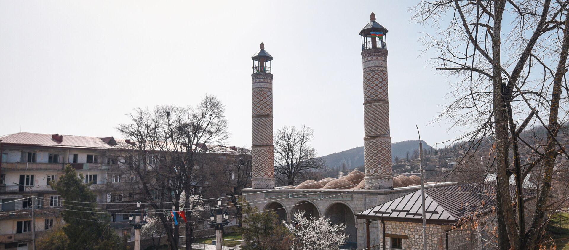 Yuxarı Gövhar Ağa məscidi - Sputnik Азербайджан, 1920, 14.04.2021