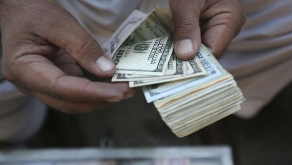 Доллар США, фото из архива - Sputnik Азербайджан