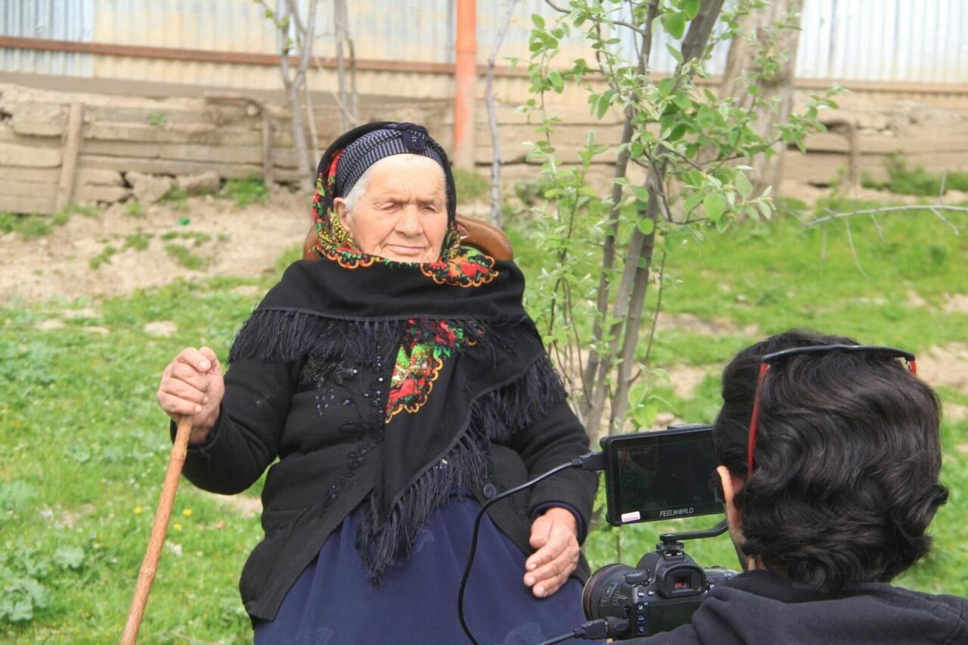 Весь мир увидит фильм о бабушке-кочевнице из Азербайджана - Sputnik Азербайджан, 1920, 14.04.2021