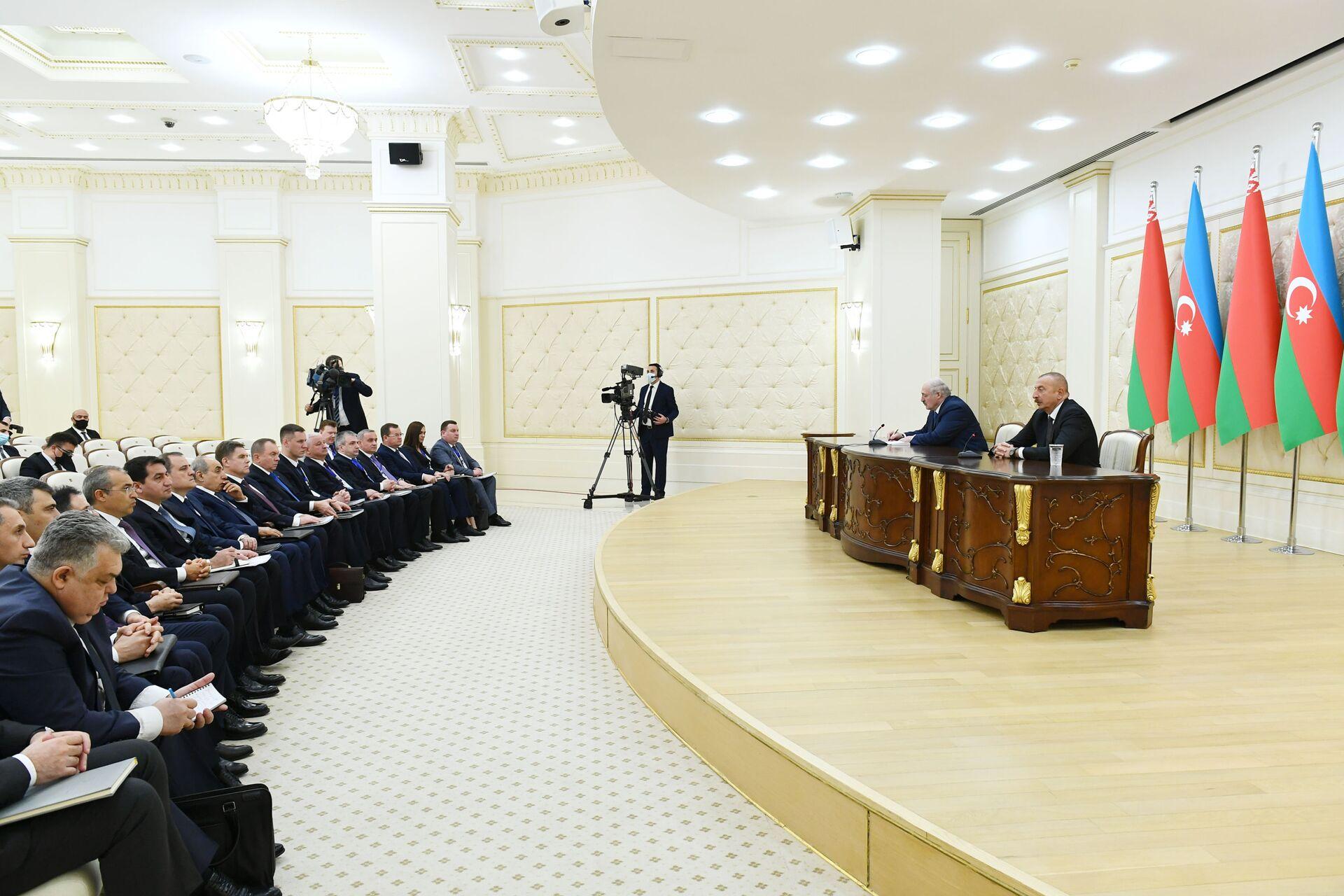 Азербайджан и Беларусь продолжат сотрудничество и поддержку - заявления глав государств - Sputnik Азербайджан, 1920, 15.04.2021