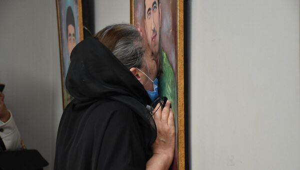 В Музейном центре открылась выставка, на которой представлены портреты шехидов - Sputnik Азербайджан