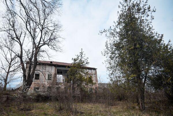 В настоящее время дом Хуршидбану Натаван пребывает в полуразрушенном состоянии. - Sputnik Азербайджан