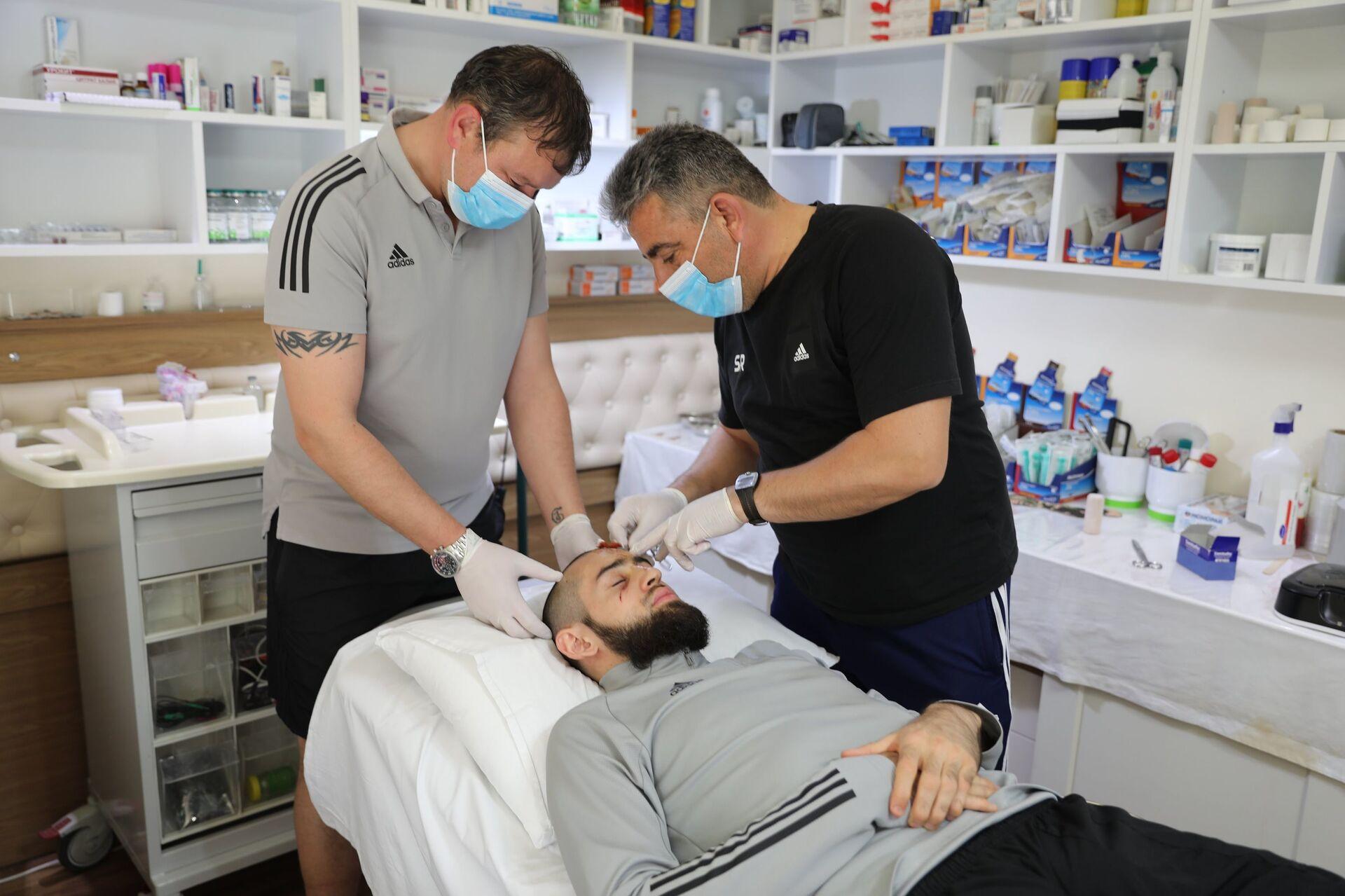 Вратарь Карабаха: когда очнулся, все лицо было в крови - Sputnik Азербайджан, 1920, 19.04.2021