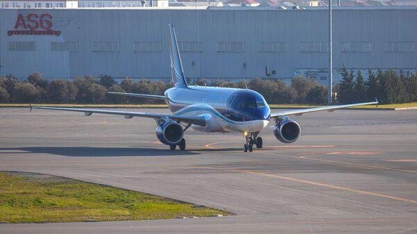 Пассажирский самолет AZAL - Sputnik Азербайджан