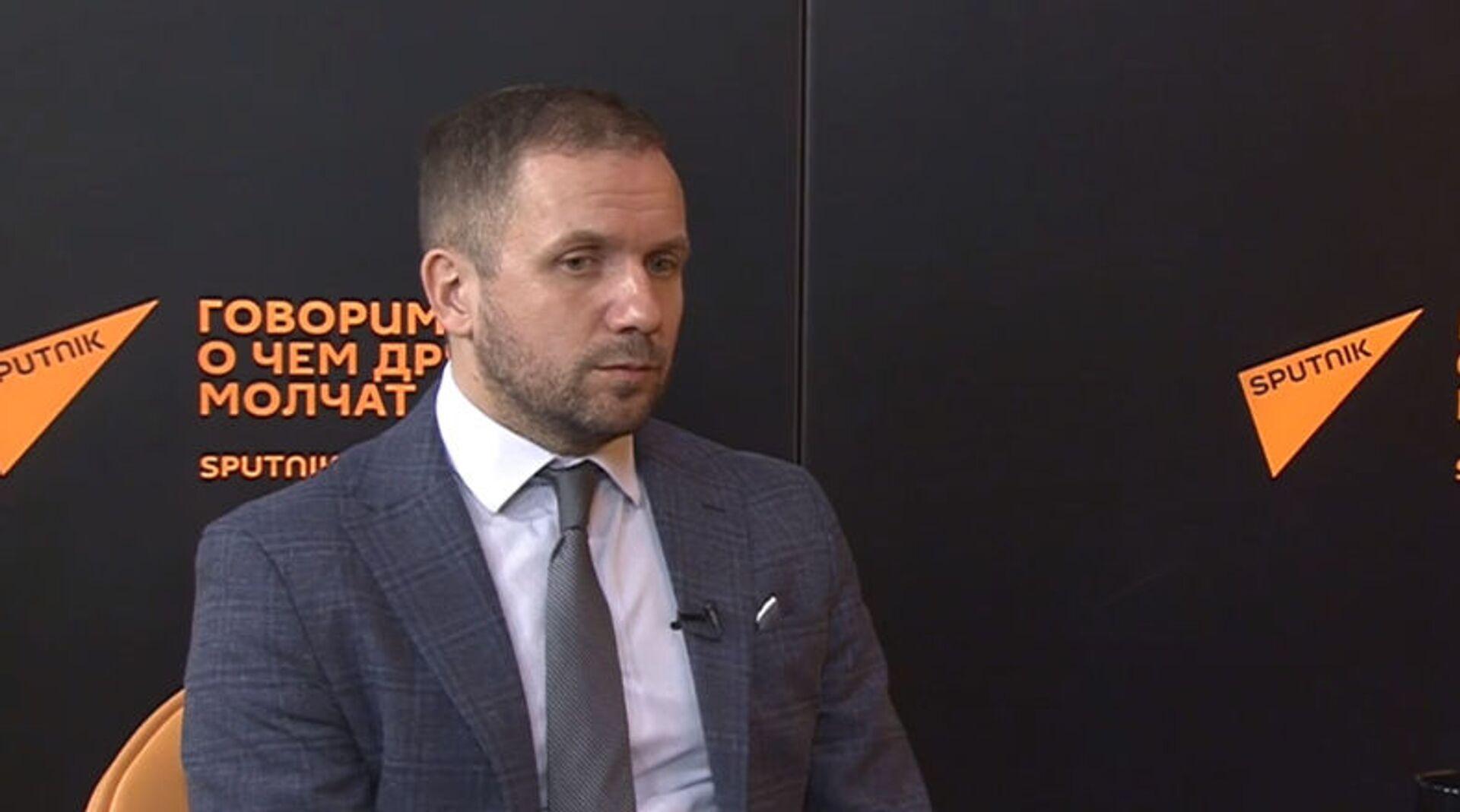 Интервью со Станиславом Притчиным  - Sputnik Азербайджан, 1920, 20.04.2021