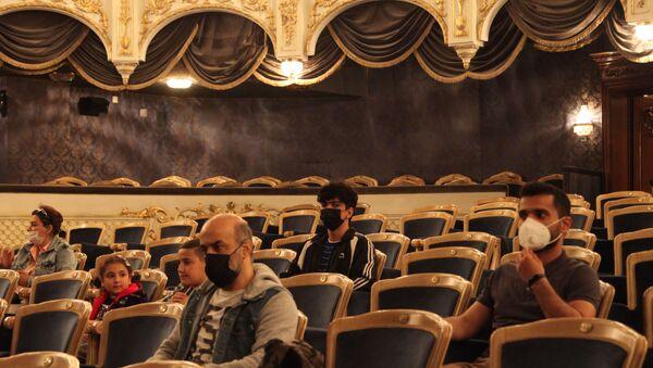 """""""İnklüziv teatr"""" layihəsinin iştirakçıları ilə ilk görüş  - Sputnik Азербайджан"""