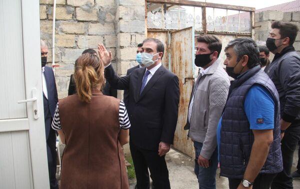 В Гяндже восстанавливаются дома, поврежденные ракетными обстрелами ВС Армении - Sputnik Азербайджан