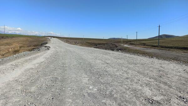 Yevlax magistral yolunun Oğuzun Yaqublu kəndindən keçən hissəsi - Sputnik Azərbaycan